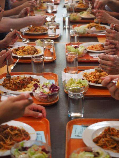 repas-cantine-viande