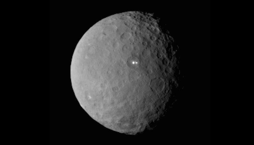3e18ac7225c7 Découverte de mystérieuses taches lumineuses à la surface de la planète  naine Cérès