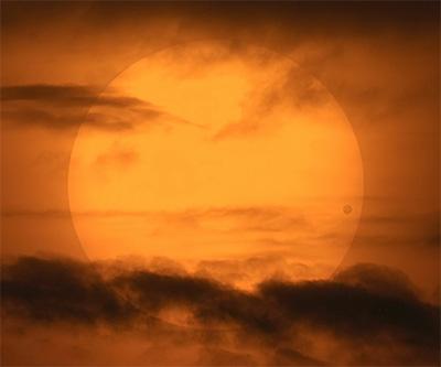 http://www.notre-planete.info/actualites/images/astronomie/transit_Venus_2004.jpg