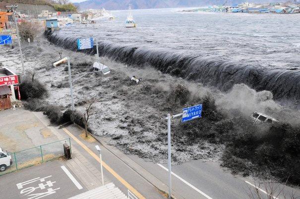 tsunami_japon_032011