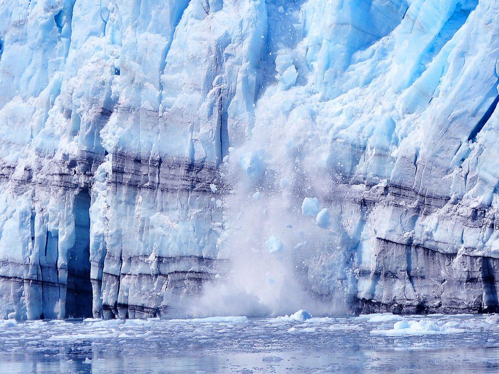 Images impressionnantes du plus grand effondrement glaciaire jamais filmé au Groenland - notre