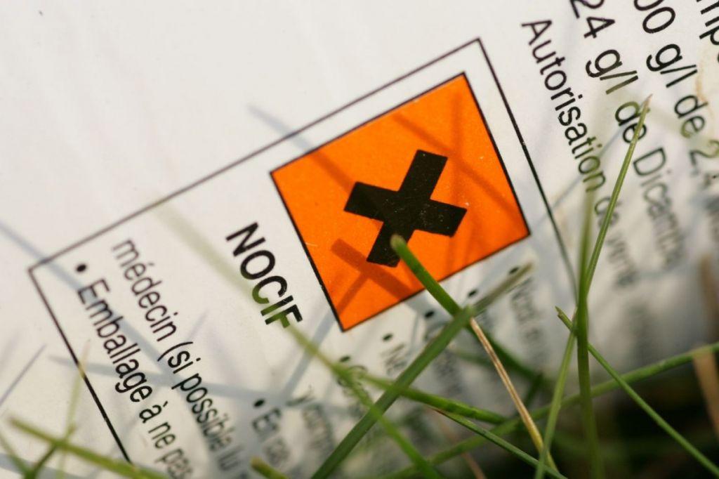 L Herbicide Le Plus Vendu Dans Le Monde Le Glyphosate Contamine