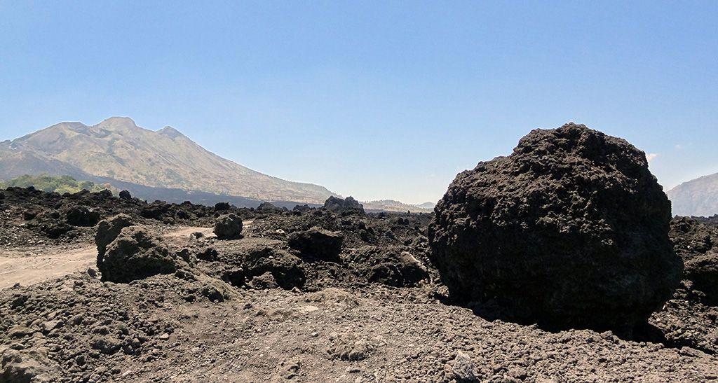 volcan-Agung-Bali-bombe-volcanique
