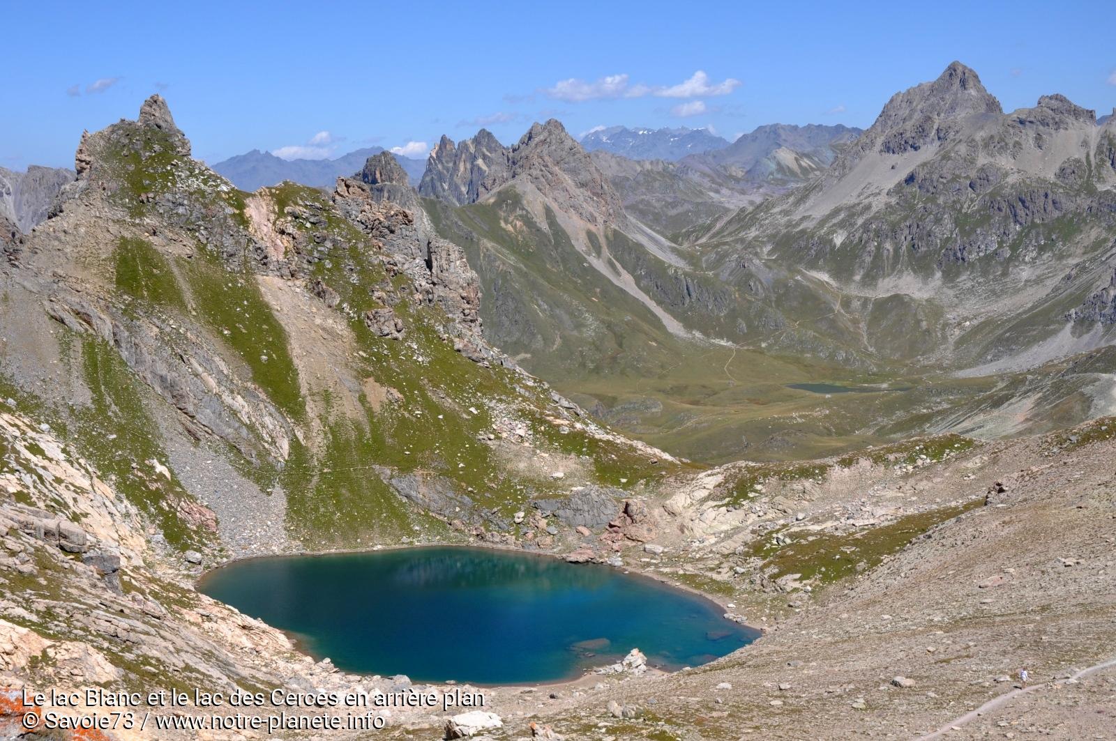 Le lac Blanc et le lac des Cerces en arrière plan