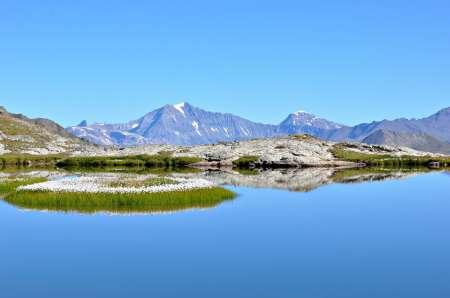 Lac sans nom sous le col d'Etache