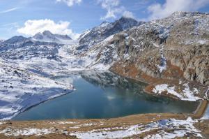 Lac Blanc au pied du glacier de St-Sorlin